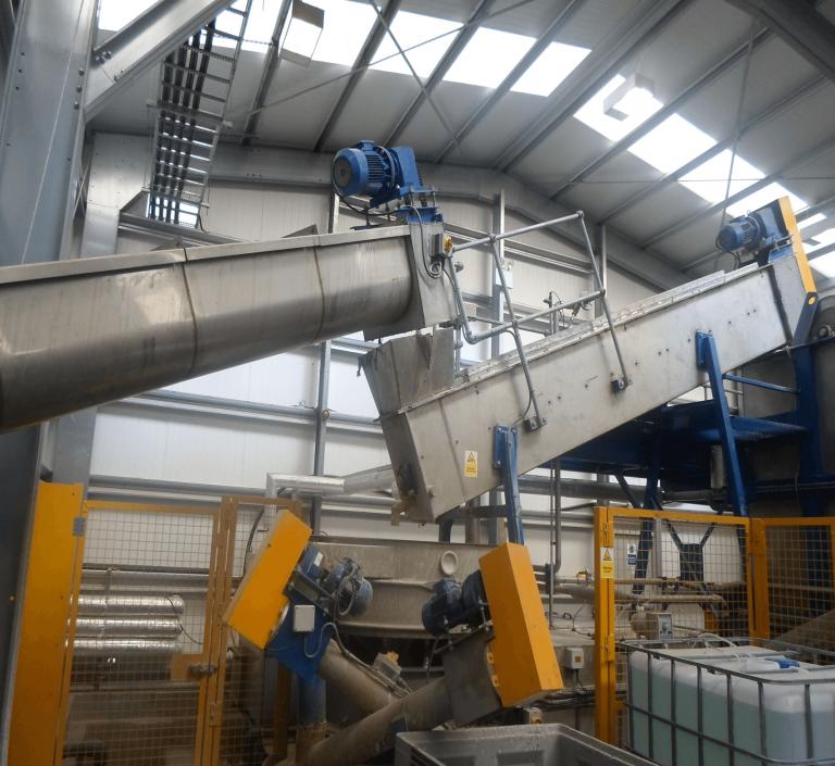 Plastic Prewasher removing bulk contaminates